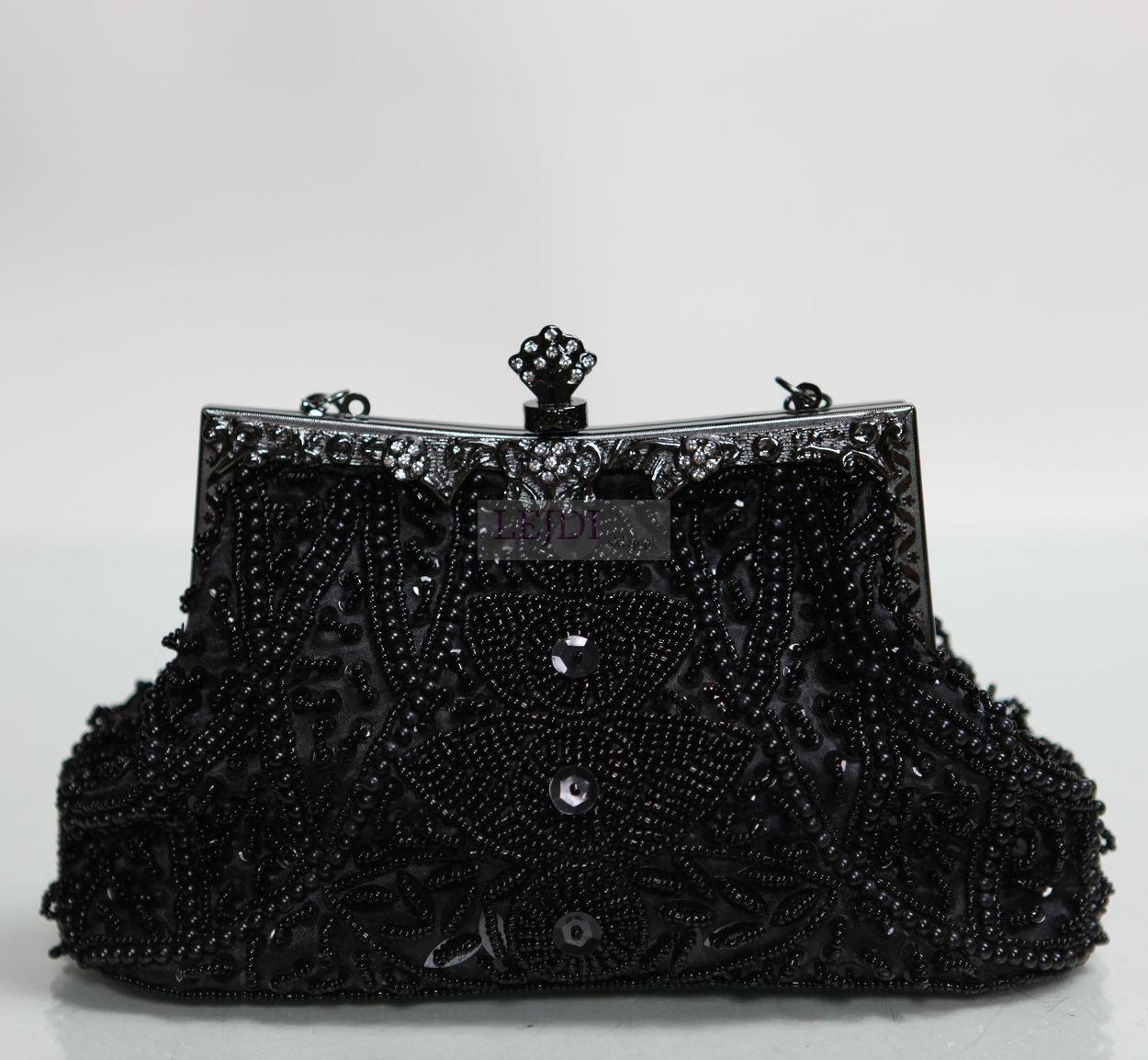 Czarna torebka w stylu barokowym