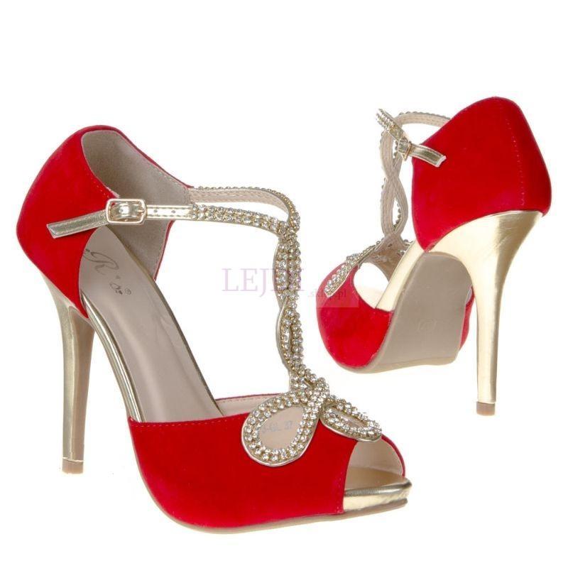 czerwone-sandaly-z-cyrko_13713